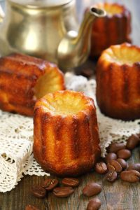 6800371-cannele-bordelais-french-small-cake